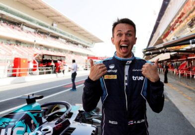 Alexander Albon firma per la Toro Rosso